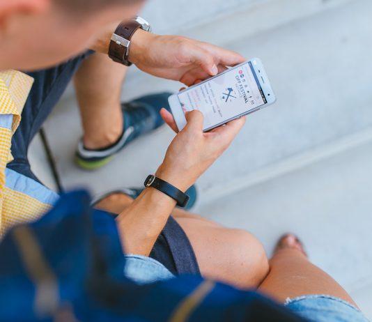 הגדלת ההכנסות בעסק באמצעות שליחת SMS מהמחשב